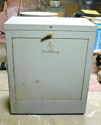 Vintage 1940's Seeburg Model H246M Hide Away Juke Box Cabinet~ Local Pickup Only