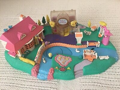 POLLY POCKET Magical Movin' Pollyville With 1 Original Doll