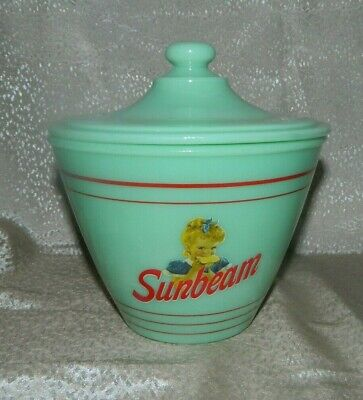 Jadeite Green Jade Glass Sunbeam Bread Grease Jar with Lid in Excellent Cond