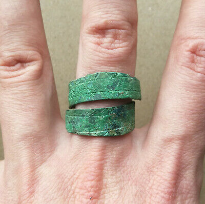 Super Rare Scythian twisted bronze ring with ornament Green Patina