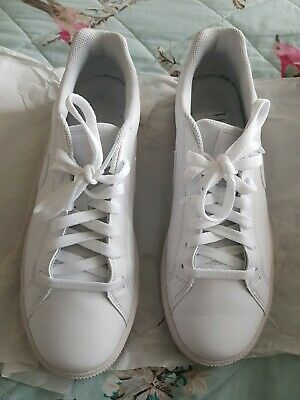 Used NIKE city court Tennis Trainers - size uk 8 mint condition ! white women