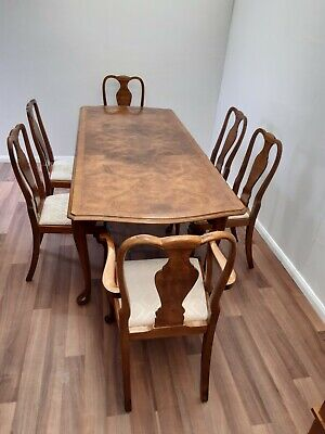 Burr Walnut Extending Dining Table and 6 Chairs.