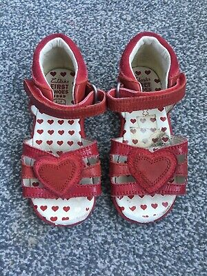 Girls Child's Red Clarks Sandals Shoes Size 6.5 F
