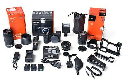 SONY Alpha 6300 + 16-70mm Zeiss / 55-210mm / 16-50mm + accessories