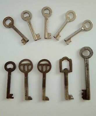 Lot Of 10 Antique Vintage French Metal Skeleton Key Lock Padlock Furniture keys