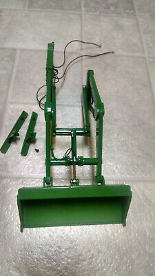 John Deere Loader with hoses and Cylinders