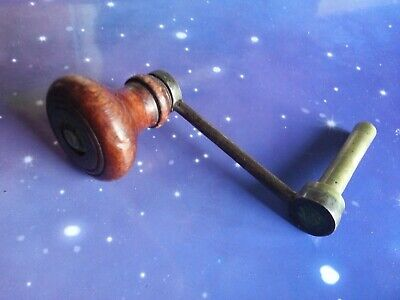 Size 7 Vintage Clock Winding Key Mantle Grandfather Crank Wooden Handle
