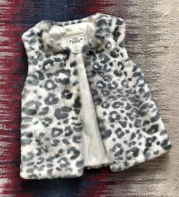 Marks And Spencer Girls Grey Leopard Print Faux Fur Gilet Bodywarmer Age 9-10 Ye