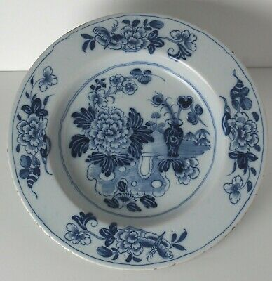"Chinese Blue and White Floral decorated Porcelain platter, 12"", 19th century."