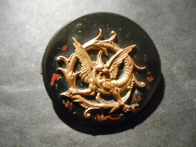 BROCHE 1900 decor CHIMERE  Laiton/Galalithe avec inclusions rouges