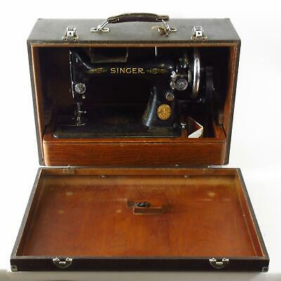 Singer 99K Antique Hand Cranked Manual Sewing Machine w/ Wooden Box, c1939