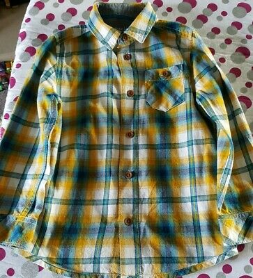 Boys Checked Shirt Age 5 *** Excellent condition as only worn once ***