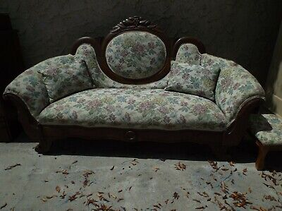 Victorian Antique Settee - Late 19th Century