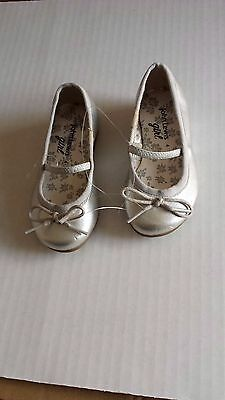 John Lewis shiny silver ballerina pump/ flat shoes UK 4/EU 20 Infant New RRP £22