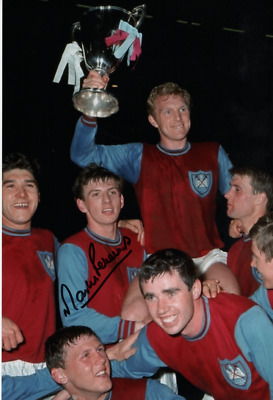 Superb West Ham Legend Martin Peters Signed Colour 10X8  Cup Winners Photograph