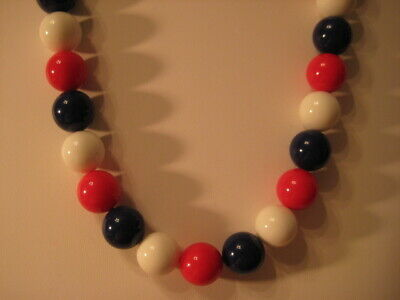 """Beautiful Vintage Patriotic Red White And Blue Bead Necklace 17"""""""