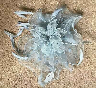 Mad Hatters Pale Blue Med Sized Fascinator On Comb . BNWT . RRP £120
