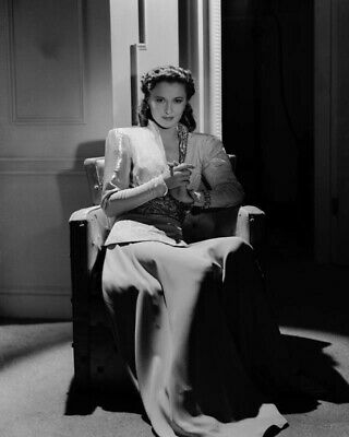 Barbara Stanwyck 1941 8x10 Glossy Photo Picture 29012010012