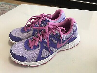 Nike Revolution 2 Women's / Girls Trainers Size Uk 4  Eur 36.5 ***