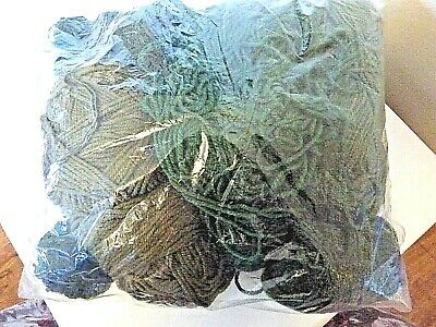 wl-11--job lot of 380gr ASSORTED YARNS IN SHADES OF GREEN