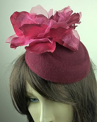 dark red felt mini pillbox hat satin flower fascinator wedding race vintage