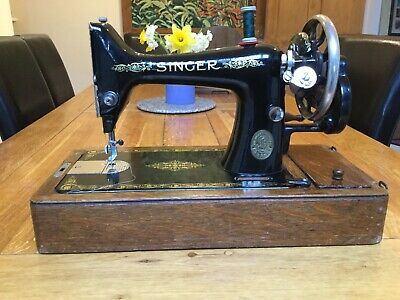 Vintage Singer Sewing Machine Hand Crank F8344789