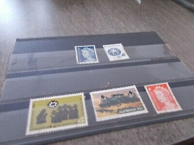 5 Timbres Australiens Obliteres