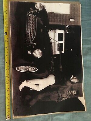 STEVE McQUEEN, CARROLL SHELBY AND A COBRA 289 ROADSTER CAR - Rare 17x11 Vintage