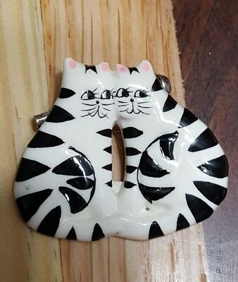 Double Cat Pin
