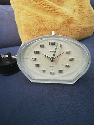 Vintage Smiths Sectric electric bakelite alarm clock.WORKING CONDITION