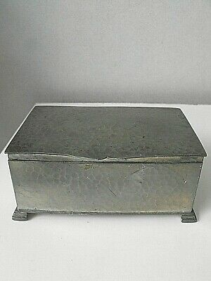 1900'S Arts & Crafts George Lee & Co English Pewter Hand Hammered Cigarette Box