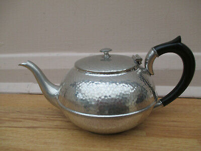 A.E Poston & Co Arts & Crafts hammered pewter 1 pt teapot