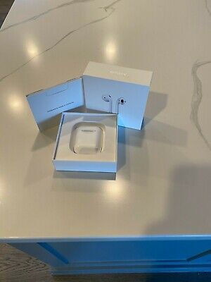 Apple AirPods 2nd Generation Wireless Earbuds & Charging Case MV7N2AM/A USED