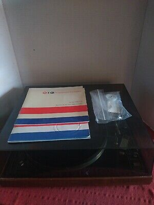 Vintage BIC  Model 980 Multiple Play 2 Speed Turntable -with Manual