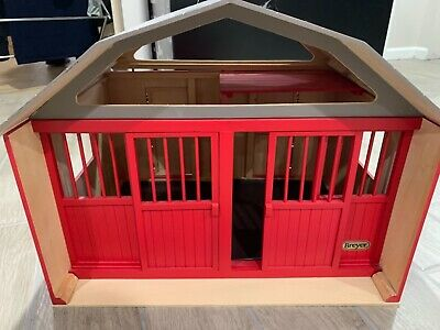 Traditional Breyer Horse Barn- Two Stall Barn & Corral- Brand New Like Condition