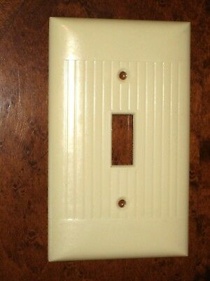 Vintage Used Sierra Electric Bakelite Ivory Ribbed Switch Plate Made in USA