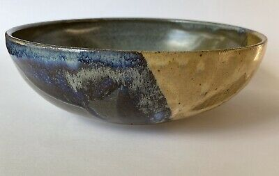 Gorgeous Australian Drip Glaze Pottery Bowl. Signed by Artist in great condition