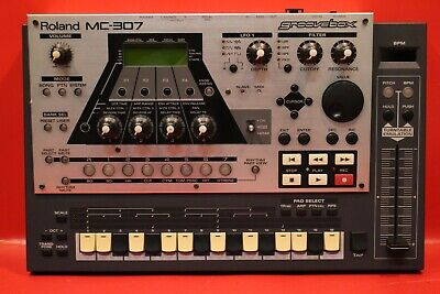 USED Roland MC-307 Groove Box Drum Machine Synth Sequencer U865 200219