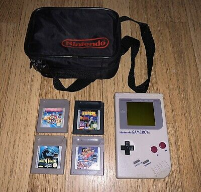 Nintendo GameBoy DMG-01 with 4 Games and Carry Case