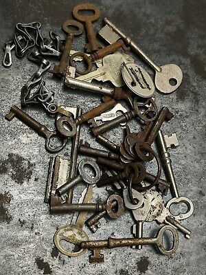 Lot Of Vintage Antique Skeleton Keys Barrel Mortise Door Cabinet Padlock Keys