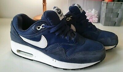 Girls/boys Unisex Blue Nike Air Max Trainers Size 5 Junior HARDLY WORN