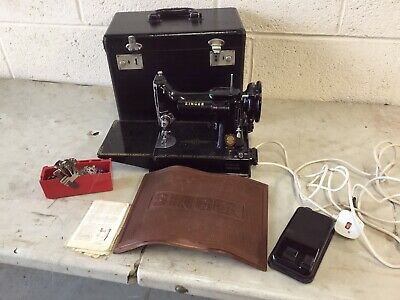 Singer 221K Sewing Machine, Featherlight, Mat And Box, Sewing Collectable,