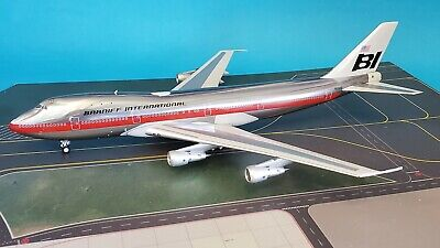 InFlight200 Boeing 747-100 Braniff International N9666 (polished with stand)