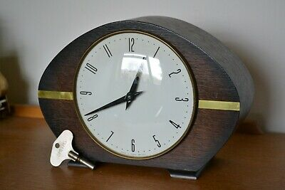 Vintage Smiths Antique Oak Chiming Mantle Clock
