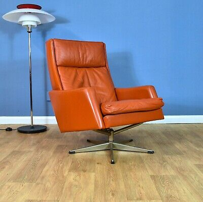 Mid Century Retro Danish Tan Leather Highback Swivel Lounge Arm Chair 1960s 70s