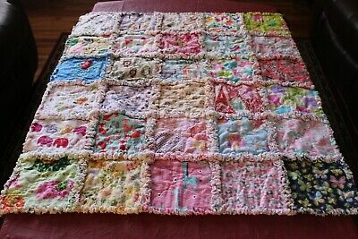 "BABY or TODDLER (GIRLS) RAG QUILT ""I SPY"""
