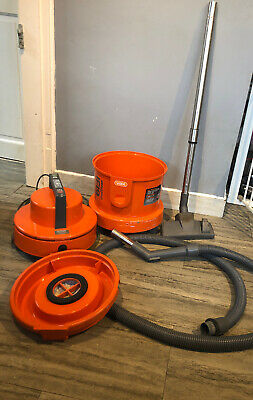 Vax 6131T Multifunction Carpet Cleaner Working Wet And Dry
