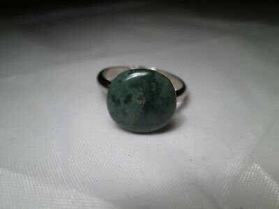 Vintage Metal Costume Ring with Round Green Stone (Possibly Jade). Size O.