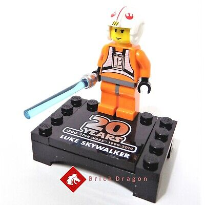 LEGO Star Wars Luke Skywalker 20th Anniversary Edition with stand from 75258