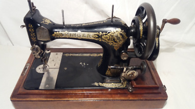 Antique 1913's SINGER Sewing Machine Mod.28K with Original Wooden Box and Key